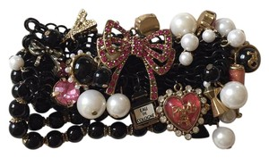 Betsey Johnson Black beaded stretch paris themed bracelet