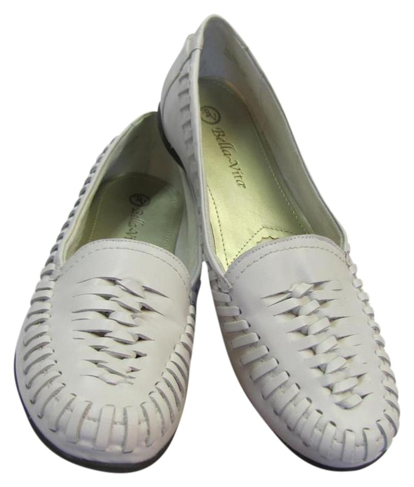 37acdbfe20c Bella Vita White Leather Very Good Condition Flats Size US 10 Narrow (Aa,  N) 65% off retail