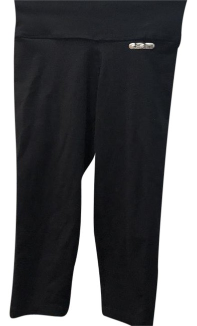 Item - Black Cropped Leggings with Pocket Detail On Activewear Bottoms Size OS (one size)
