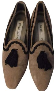 Bellini Tan suede with 2 Black Tassels and trim. Pumps