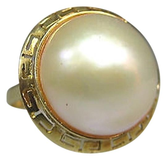 Preload https://item5.tradesy.com/images/14k-yellow-gold-ladies-pearl-ring-size-725-2069419-0-0.jpg?width=440&height=440