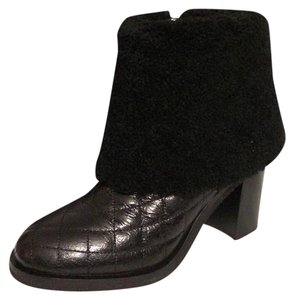 Chanel Cc Shearling Quilted Fur Black Boots
