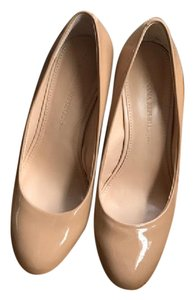Banana Republic Patent Leather Beige Nude Wedges