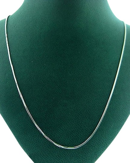 Preload https://item5.tradesy.com/images/fine-estate-14k-white-gold-chain-necklace-2069479-0-0.jpg?width=440&height=440