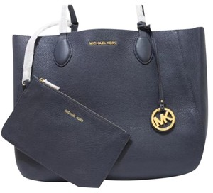 Michael Kors Jet Set Work Travel Tote in Navy and White