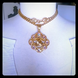 Chanel CHANEL CC Medallion Necklace