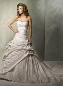 Maggie Sottero Sabelle A3227 Wedding Dress