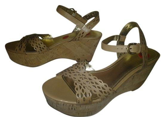 Ivanka Trump tan Sandals