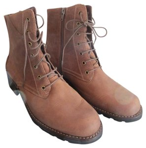 Clarks Light Brown Suede Boots