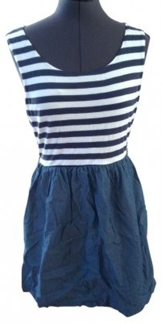Preload https://img-static.tradesy.com/item/20697/forever-21-blue-striped-above-knee-short-casual-dress-size-8-m-0-0-650-650.jpg