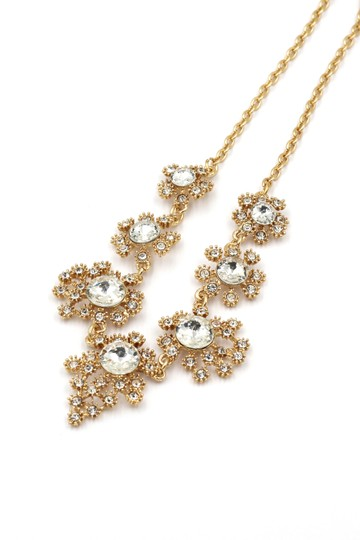 Preload https://item5.tradesy.com/images/gold-noble-flower-crystal-necklace-20697349-0-0.jpg?width=440&height=440