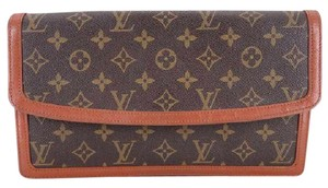 Louis Vuitton Monogram Dame GM Clutch 214250