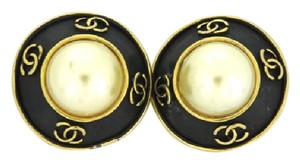 Chanel CC Logo Black Pearl Earrings 214235