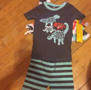 Carter's NWT 2 sets of pajamas