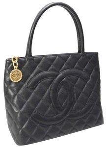 Chanel Caviar Leather Vintage Luxury European Tote