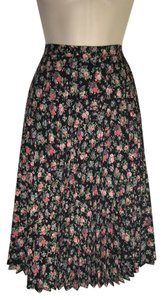 Other Classic Vintage Pleated Ships Next Day Skirt Black/Floral