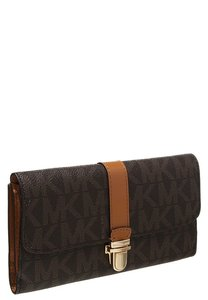Michael Kors Charlton Flap Wallet