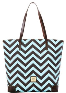Dooney & Bourke & Every Day Ec010 Lb Leather Tote in LIGHT BLUE