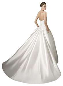 Pronovias Baronda Wedding Dress