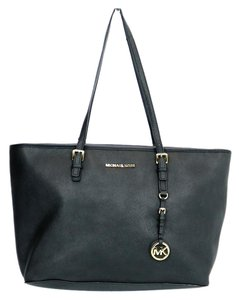Michael Kors Leather Saffiano Hang Tag Tote in Black