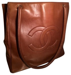 Chanel Leather Brown Vintage Shoulder Bag