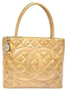 1042b6cb889b Chanel Shopping Bags - Up to 70% off at Tradesy (Page 3)
