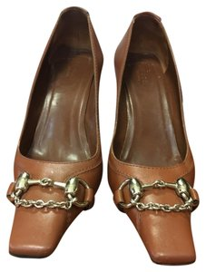 Gucci Horsebit Detail cognac Pumps