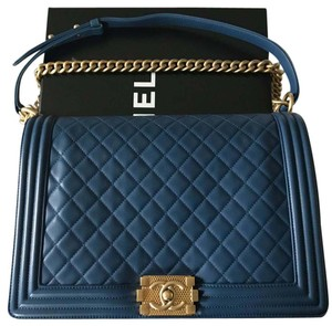 b61ceaf327f41d Chanel Boy Le Jumbo Navy Lambskin Shoulder Bag - Tradesy