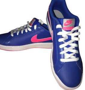 Nike Bright Pink and Blue Athletic