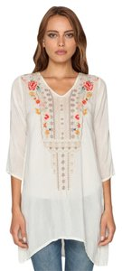 Johnny Was Rayon 3/4 Sleeves Arched Hem Embroidered Tunic