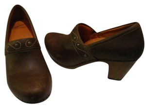 Dansko brown Pumps