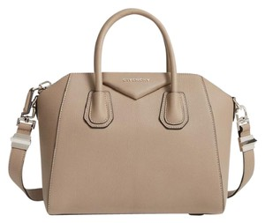Givenchy Antigona Smooth Calf Patent Patent Speedy Satchel in mastic
