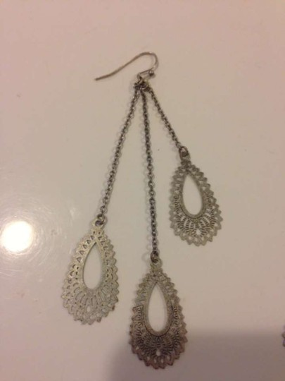 Urban Outfitters Dangly earrings