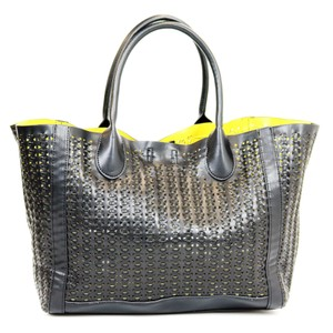 Steve Madden Perforated Woven Two-tone Tote in Black