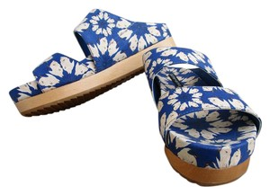 Alice + Olivia Floral Wood Wedge Platform Blue print Sandals