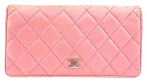 Chanel #10386 CC Pink lambskin quilted leather long bifold wallet