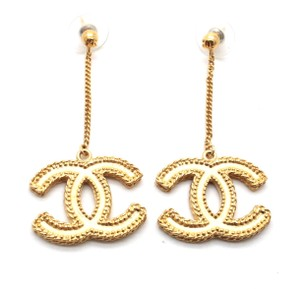 Chanel #10371 F16V XL CC Gold Textured dangle chain earings celebrity runway