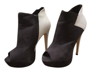 ShoeDazzle Black and White Boots