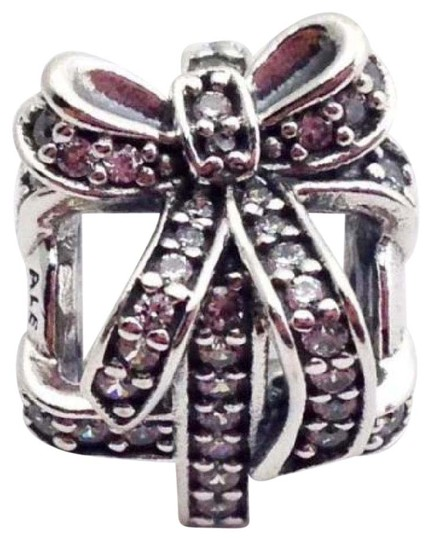Preload https://img-static.tradesy.com/item/20709008/pandora-clear-all-wrapped-up-sterling-silver-present-bead-791766cz-charm-0-1-540-540.jpg