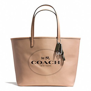 Coach Tote in SILVER/LIGHT KHAKI