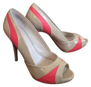 Nine West Beige with coral accents Pumps