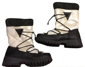 Khombu Black/White Boots