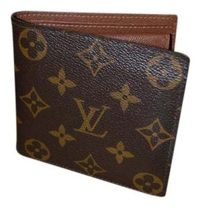 Louis Vuitton Men's Monogram Marco Wallet with Coin Compartment Billfold