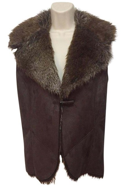 Preload https://img-static.tradesy.com/item/20711512/fever-brown-faux-fur-and-suede-vest-size-12-l-0-1-650-650.jpg