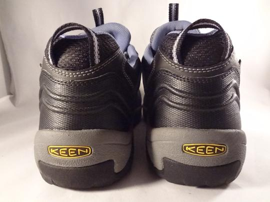 Keen gray Athletic Image 4