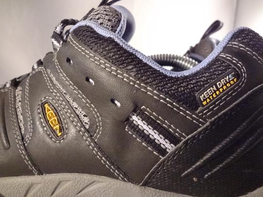 Keen gray Athletic Image 5