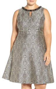 London Times Jacquard Sleeveless Embellished Dress