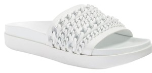 Kendall + Kylie Shiloh Chain Link Slide white Platforms