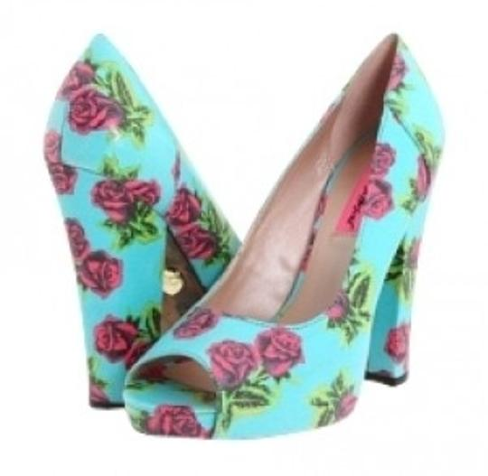 Preload https://item4.tradesy.com/images/betsey-johnson-tin-can-rose-betyy-pumps-size-us-7-regular-m-b-20713-0-0.jpg?width=440&height=440
