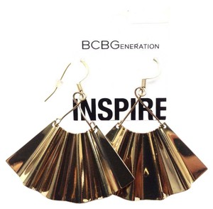 BCBGeneration gold color fan earrings